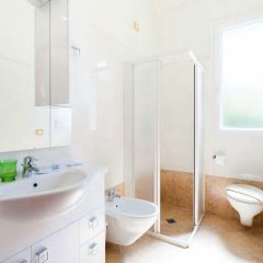 Отель Residence La Villetta Римини ванная