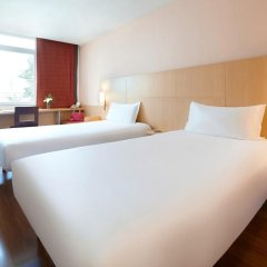Zhongshan The Center Hotel 3* Номер Делюкс с различными типами кроватей фото 2
