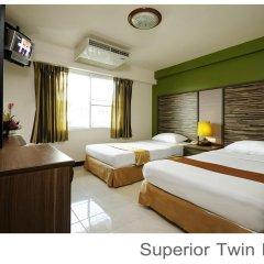 Отель Rambuttri Village Inn & Plaza 3* Улучшенный номер с различными типами кроватей фото 4