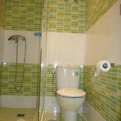 Отель Hostal Abril Стандартный номер с различными типами кроватей фото 16