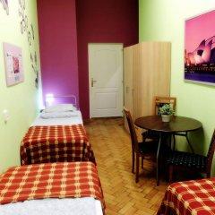 Budapest Budget Hostel Стандартный номер с различными типами кроватей (общая ванная комната) фото 2