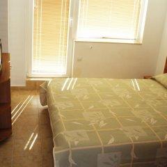 Апартаменты Tomi Family Apartments Солнечный берег комната для гостей