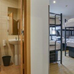 Hans Brinker Hostel Lisbon Кровать в общем номере с двухъярусной кроватью фото 2