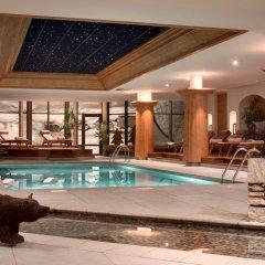 Отель Hôtel Barmes de L'Ours бассейн