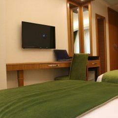 Bizim Hotel Турция, Стамбул - 1 отзыв об отеле, цены и фото номеров - забронировать отель Bizim Hotel онлайн сейф в номере