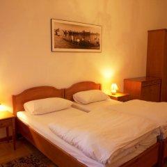 Отель U Cerneho Medveda- At The Black Bear Апартаменты с различными типами кроватей