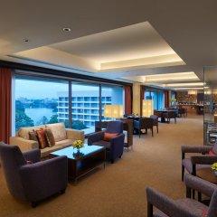 Отель Cinnamon Grand Colombo Шри-Ланка, Коломбо - отзывы, цены и фото номеров - забронировать отель Cinnamon Grand Colombo онлайн гостиничный бар