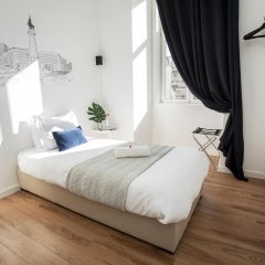 Отель Lisbon Check-In Guesthouse 3* Стандартный номер с различными типами кроватей фото 10