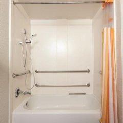 Отель La Quinta Inn & Suites Dallas North Central 2* Стандартный номер с различными типами кроватей фото 5