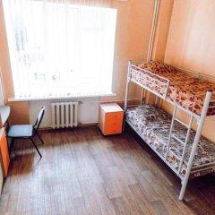 Hostel Irbis Кровать в женском общем номере с двухъярусной кроватью
