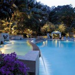 Апартаменты Shangri-La Apartments бассейн