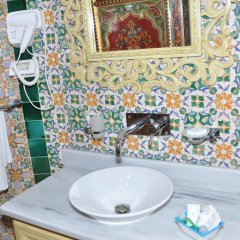 Hôtel Royal Victoria in Tunis, Tunisia from 86$, photos, reviews - zenhotels.com bathroom