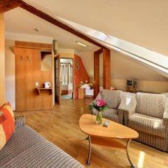 Отель Golden City 3* Апартаменты с различными типами кроватей фото 3