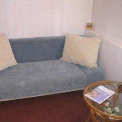 Отель Puku Street Guest House Стандартный семейный номер с разными типами кроватей (общая ванная комната) фото 4