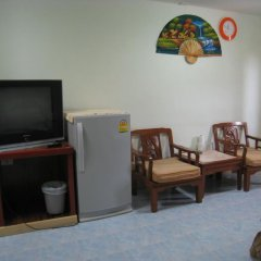 Отель Pinthong house 2* Стандартный номер с двуспальной кроватью фото 2