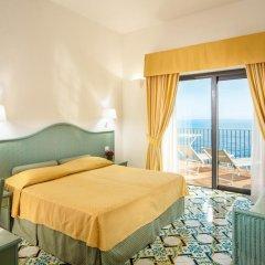 Отель Miramalfi 4* Улучшенный номер с различными типами кроватей фото 5