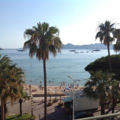 Отель Cannes Croisette Carlton пляж фото 2