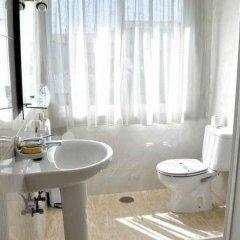 Отель Pension Costiña 2* Стандартный номер с различными типами кроватей фото 9