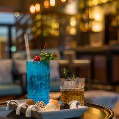 Отель The Seminyak Beach Resort & Spa гостиничный бар
