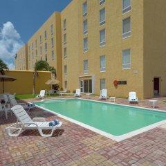 Отель City Express Junior Cancun Мексика, Канкун - отзывы, цены и фото номеров - забронировать отель City Express Junior Cancun онлайн бассейн