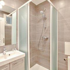 Отель 18 - Luxury Parisian Home Montorgueil 2 Франция, Париж - отзывы, цены и фото номеров - забронировать отель 18 - Luxury Parisian Home Montorgueil 2 онлайн ванная