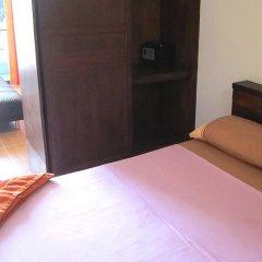 Отель Natural Mystic Patong Residence сейф в номере