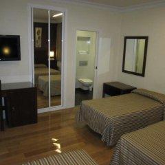 Отель Hostal Abadia Стандартный номер с 2 отдельными кроватями фото 3