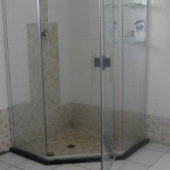 Отель Zanville Bed And Breakfast Габороне ванная фото 2
