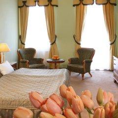 Hotel Bristol 4* Стандартный номер с двуспальной кроватью