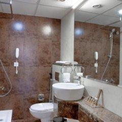 Landmark Plaza Hotel ванная фото 2