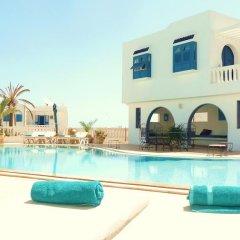 Отель Amphora Menzel Тунис, Мидун - отзывы, цены и фото номеров - забронировать отель Amphora Menzel онлайн бассейн фото 2