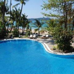 Отель Sandoway Resort бассейн