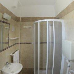 Mini Hotel 3* Номер Эконом с двуспальной кроватью фото 7