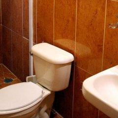 Отель Suites del Carmen - Pino Мехико ванная