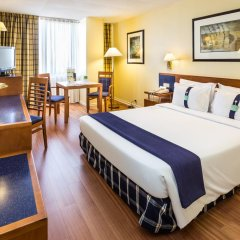 Отель Holiday Inn Lisbon 4* Стандартный номер с различными типами кроватей фото 5