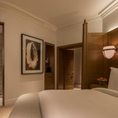 Four Seasons Hotel London at Ten Trinity Square 5* Номер Делюкс с различными типами кроватей фото 4
