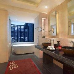 Отель Banyan Tree Lijiang 5* Вилла разные типы кроватей фото 17
