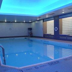 Отель The Ritz Plaza бассейн
