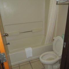 Отель Econo Lodge Columbus 2* Стандартный номер с различными типами кроватей