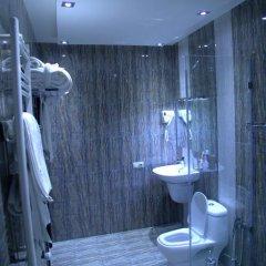 Отель Palma Palace Hotel Армения, Ереван - отзывы, цены и фото номеров - забронировать отель Palma Palace Hotel онлайн ванная фото 2