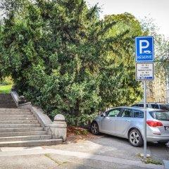 Prague Hostel Na Smetance Прага парковка