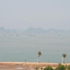Отель Atlantic Tuan Chau Hotel Вьетнам, Халонг - отзывы, цены и фото номеров - забронировать отель Atlantic Tuan Chau Hotel онлайн пляж
