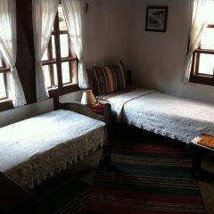 Отель Hadzhi Velinov Han Боженци комната для гостей фото 2