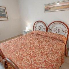 Hotel Masaccio Номер с общей ванной комнатой с различными типами кроватей (общая ванная комната) фото 3