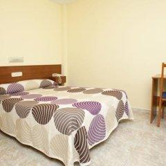 Отель Hostal Roma Испания, Ла-Корунья - отзывы, цены и фото номеров - забронировать отель Hostal Roma онлайн удобства в номере