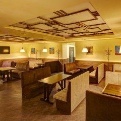 Three Crowns Hotel интерьер отеля фото 2