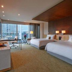 Four Seasons Hotel Tokyo at Marunouchi 5* Номер Премиум с различными типами кроватей