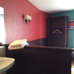 Отель Hôtel Monte Carlo 2* Стандартный номер с различными типами кроватей (общая ванная комната)
