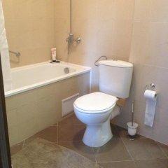 Отель Roy's Apartment in St John Park Болгария, Банско - отзывы, цены и фото номеров - забронировать отель Roy's Apartment in St John Park онлайн ванная фото 2
