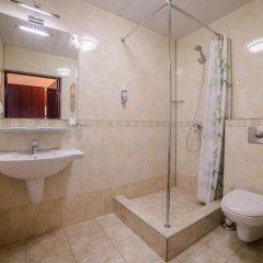 Гостиница Бурлак в Рыбинске отзывы, цены и фото номеров - забронировать гостиницу Бурлак онлайн Рыбинск ванная